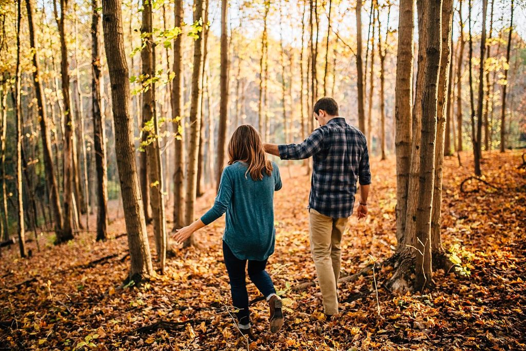 engagement photos at deer haven preserve in delaware