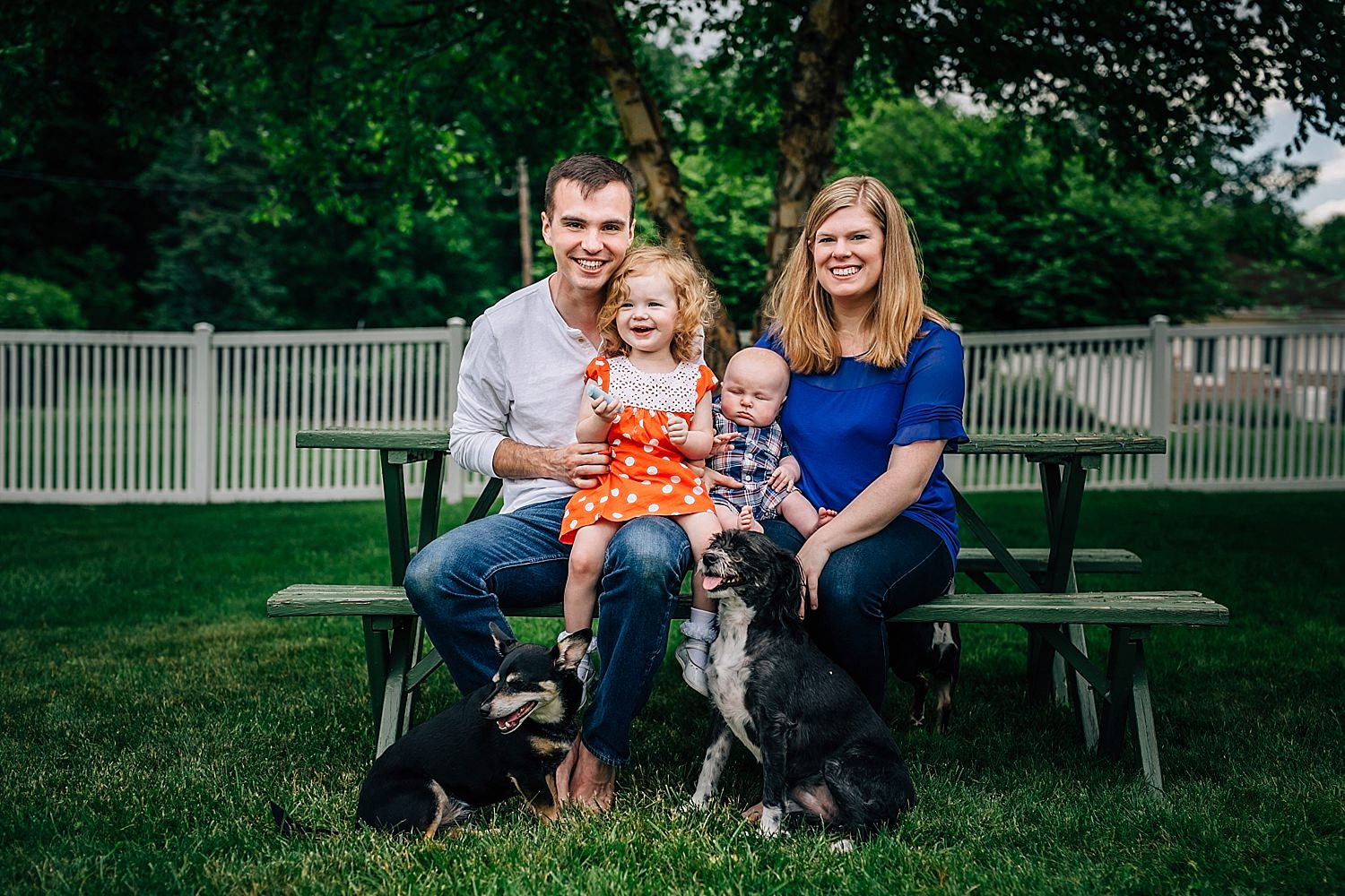 family picture with young kids and dogs in ohio