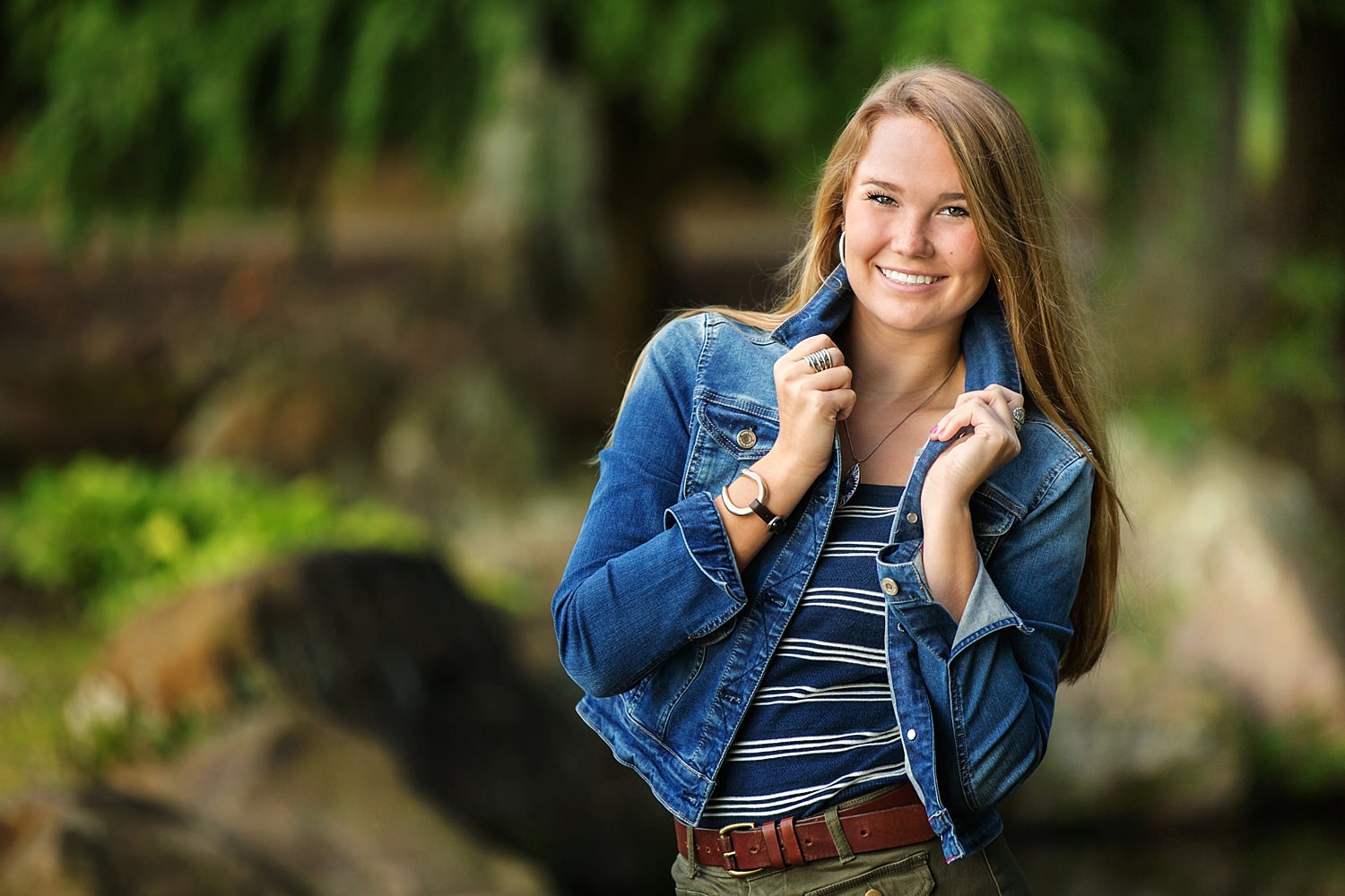 outdoor High school senior portraits at dawes arboretum in heath newark ohio