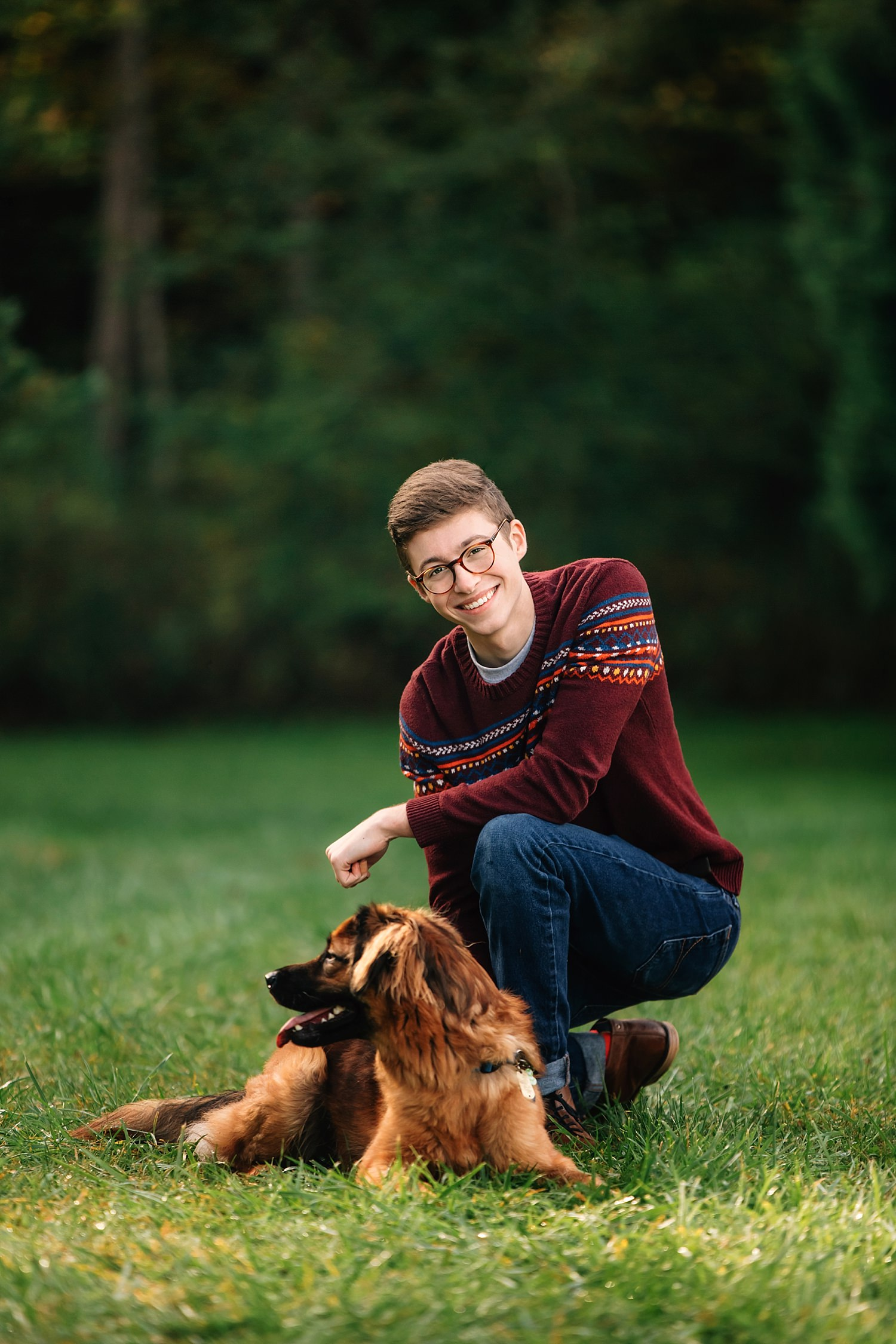 outdoor natural light High school senior portraits with dog at dawes arboretum in newark ohio