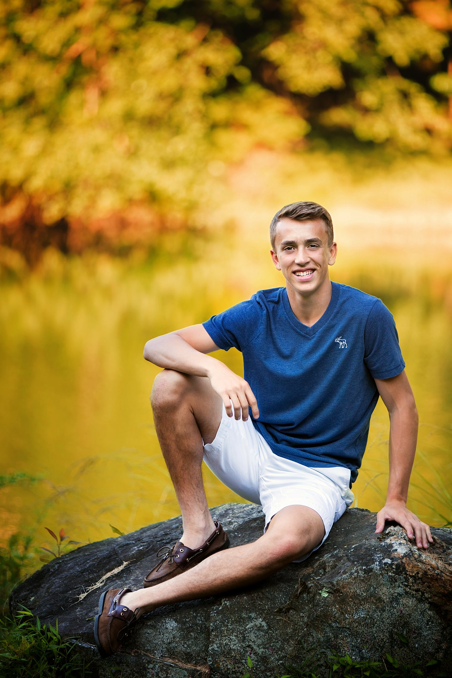 outdoor natural light High school senior portraits granville ohio