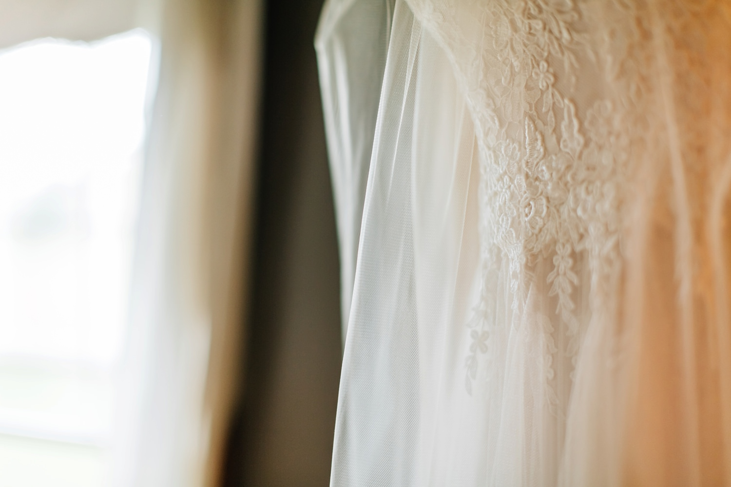lace and tulle wedding dress details shots intimate wedding johnstown ohio