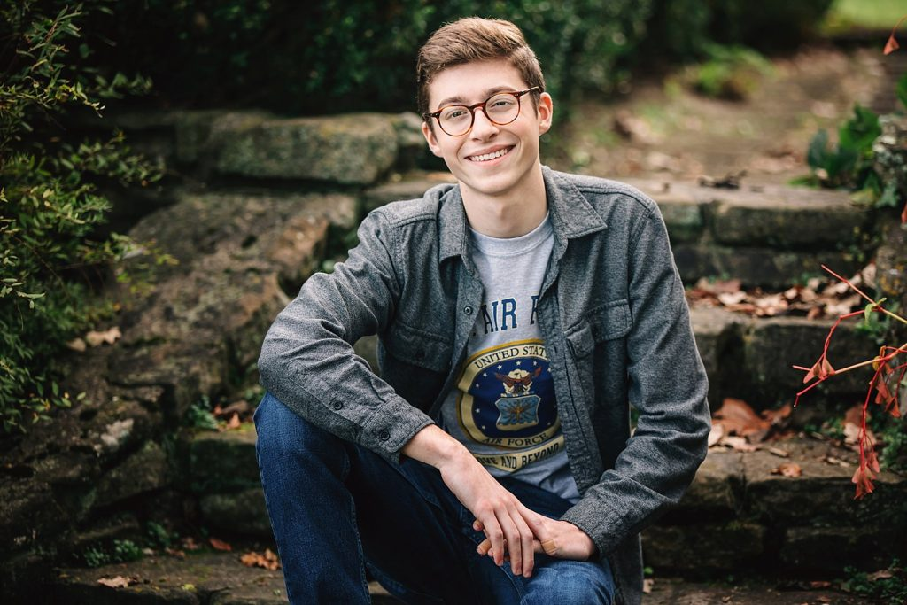 outdoor natural light High school senior portraits at dawes arboretum in newark ohio